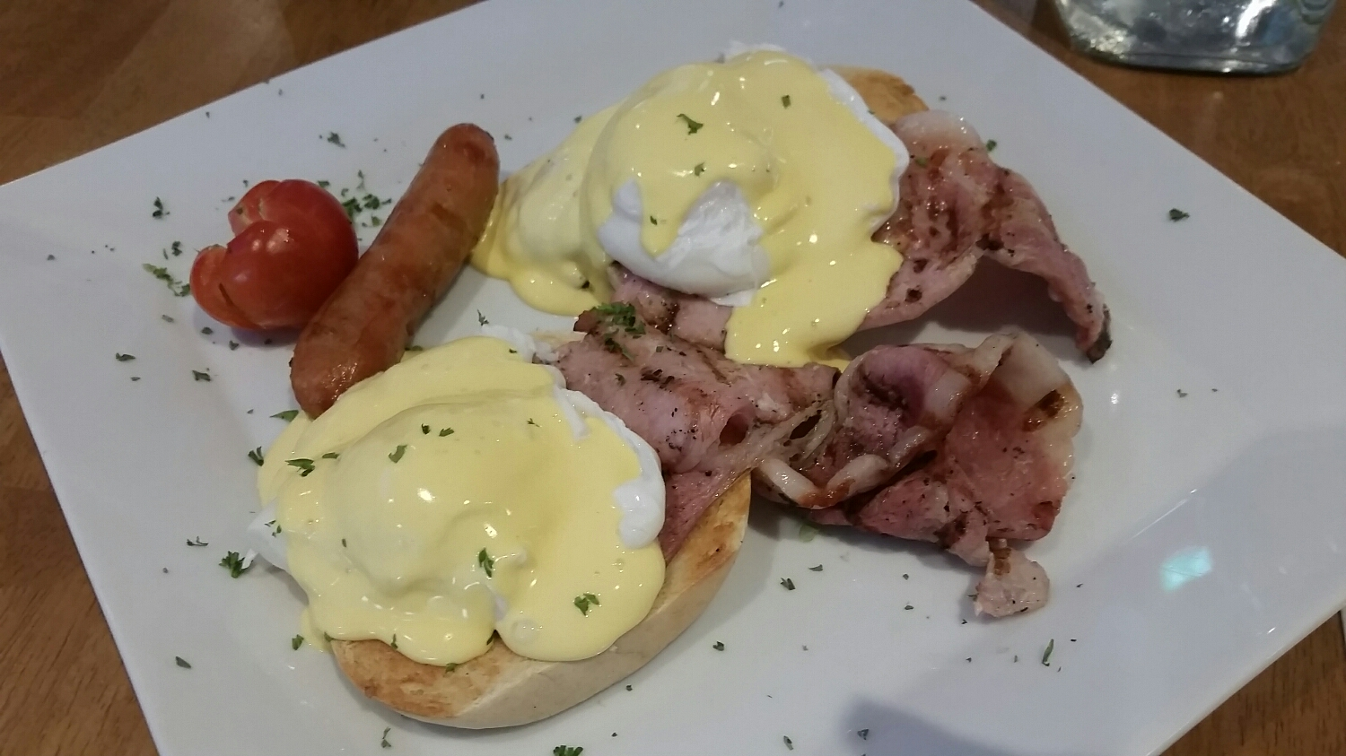 Eggs benedict with Irish bacon and of course a side of sausage. I actually really liked the breakfast sausage even better than the stuff we have at home. It's almost like chicken sausage, different in the way thats it whiter meat with more subtle seasoning.