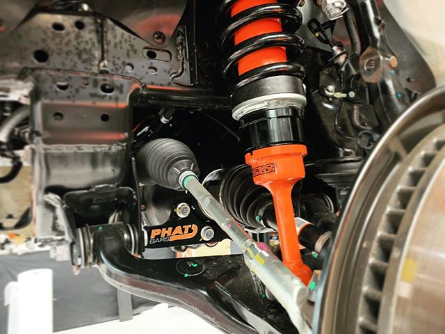 We like to support local business doing great things and @phatbars gear is just one of these!  Mixed with @outbackarmour adjustable bypass suspension this customer has comfortable, capable and reliable components ready to explore the wonderful Australian outdoors.  sales@vogueindustries.com to upgrade your ride today.  #vogueindustries #vogue #suspension #offroad #4x4 #hilux #phatbars #outbackarmour #lifted #adjustablesuspension #diffdrop #upgrades #underbody #stockisboring #adventures #exploreaus