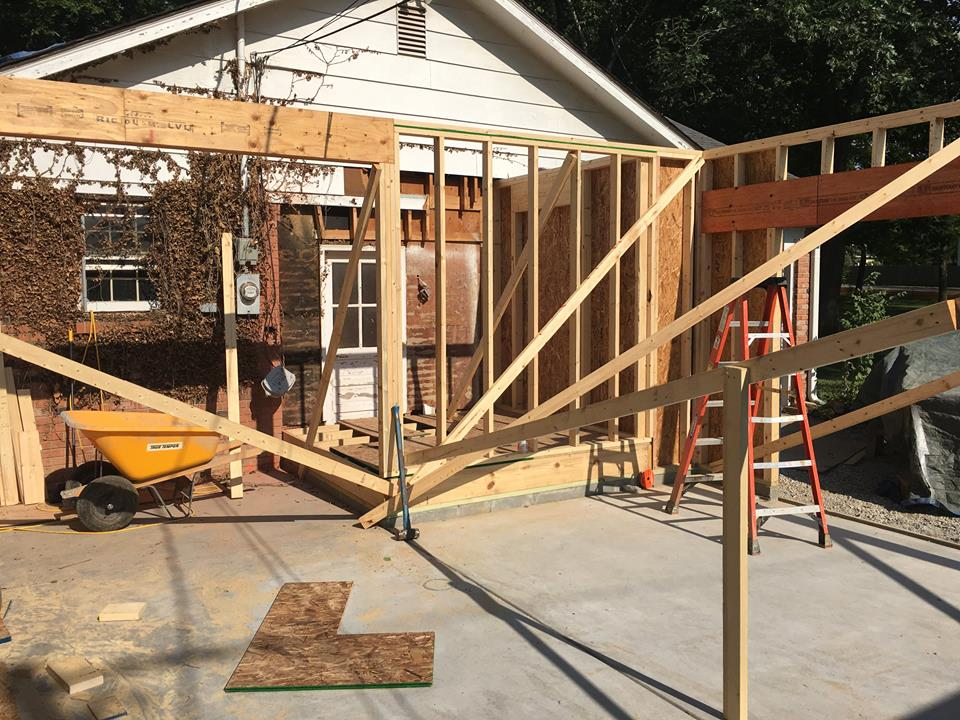 garage_entryway_framing.jpg