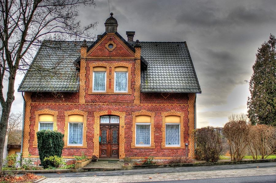 old house1.jpg