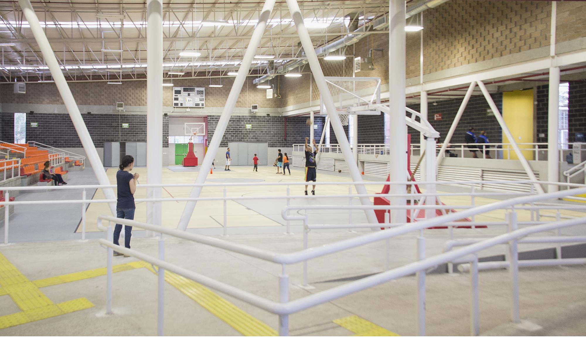 Gym Adaptado cancha y miradores IV web.jpg