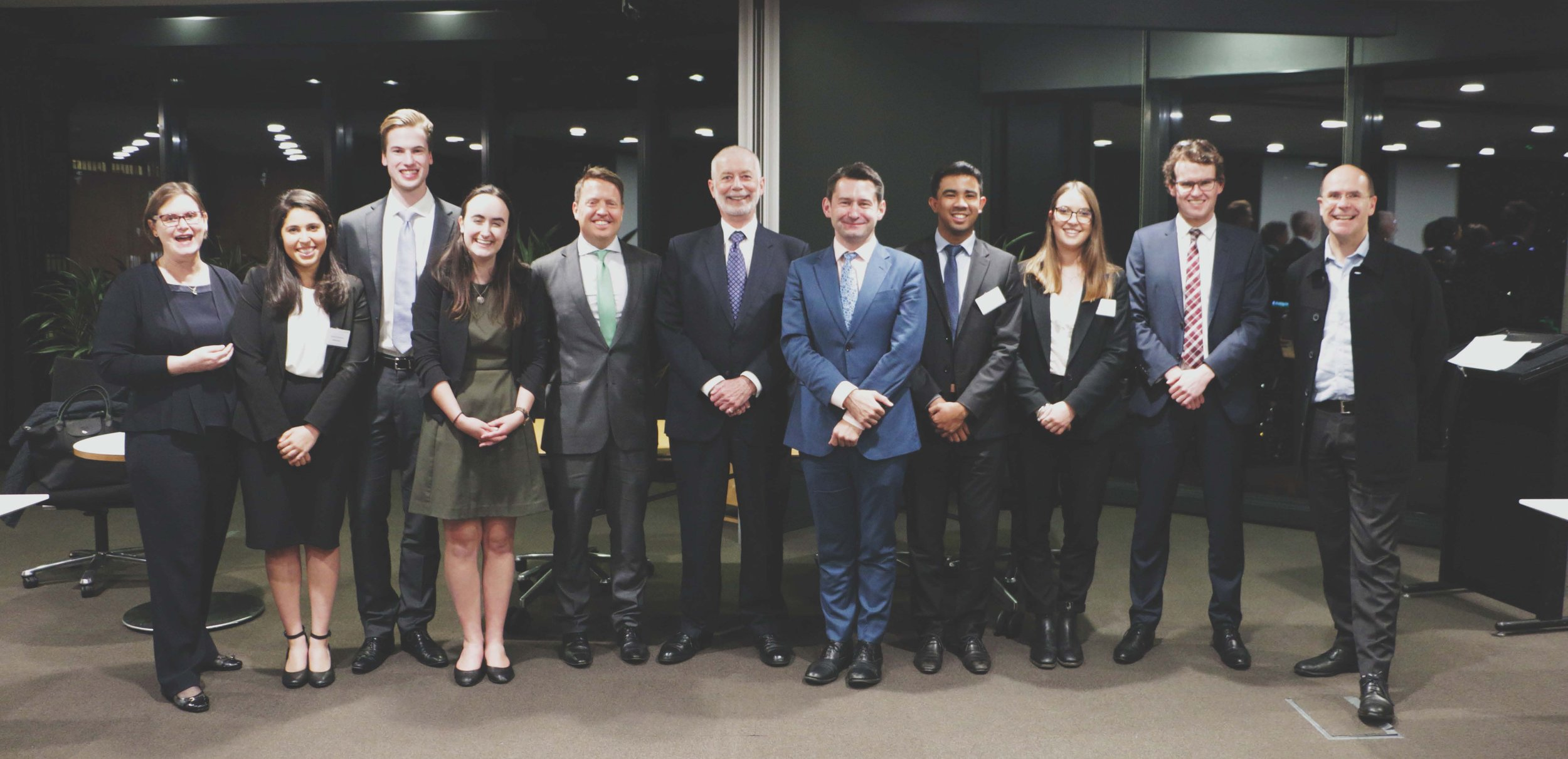 The grand finalists of the 2018 Allen & Overy Private Law Moot, from the University of Otago and Monash University, with The Honourable Justice Robert McDougall (New South Wales Supreme Court); James Lee (UNSW/King's College London); Michael Shepherd (Partner, Allen & Overy); Professor Simone Degeling (UNSW Law); and Professor George Williams (Dean, UNSW Law).