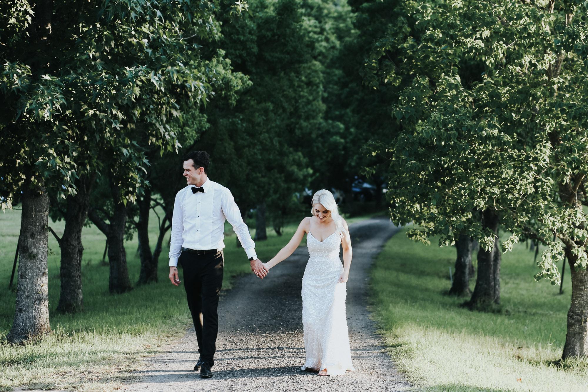countrywedding-diy-bride-groom