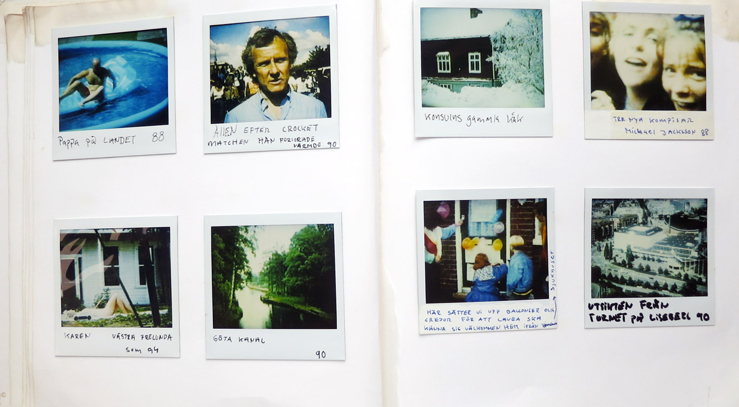 There are 3  PHOTO ALBUMS  containing about 650 pics , in the gallery bellow i show one album, hover to see the english translation.