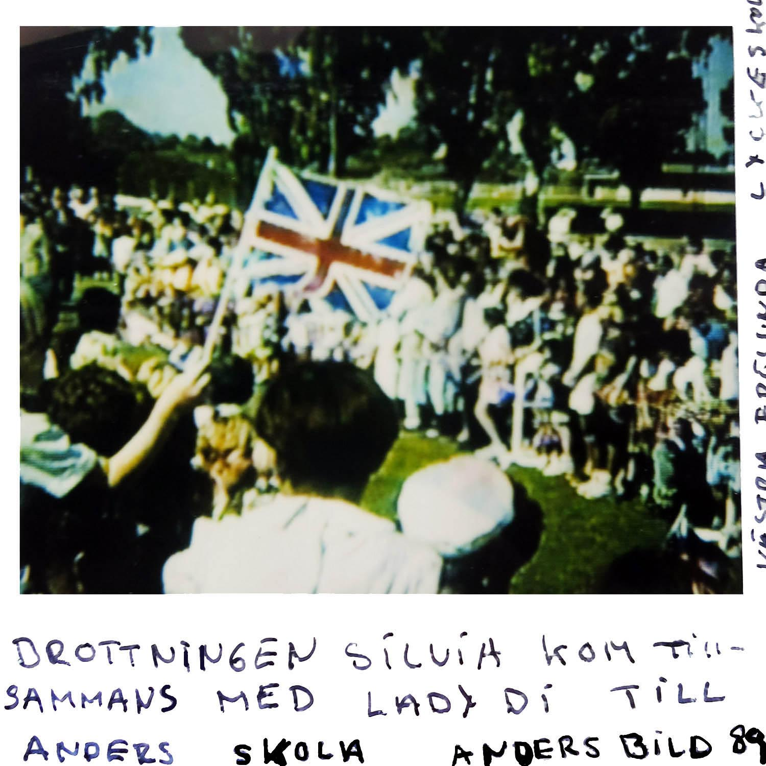 QUEEN SILVIA came with LADY DI to Anders school .. Anders took this picture ---89