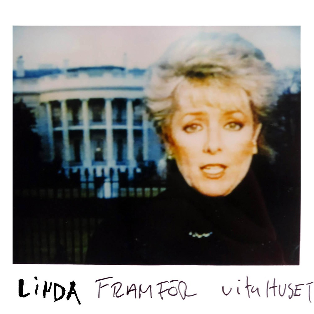 Linda infront of the WHITE HOUSE