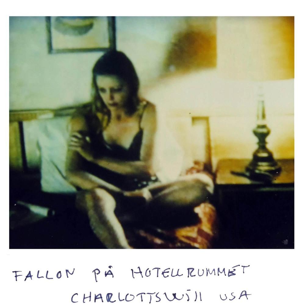 FALLON in the hotel room  Charlottesville USA