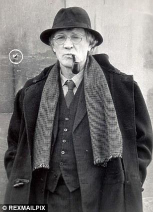 Richard Harris as Maigret