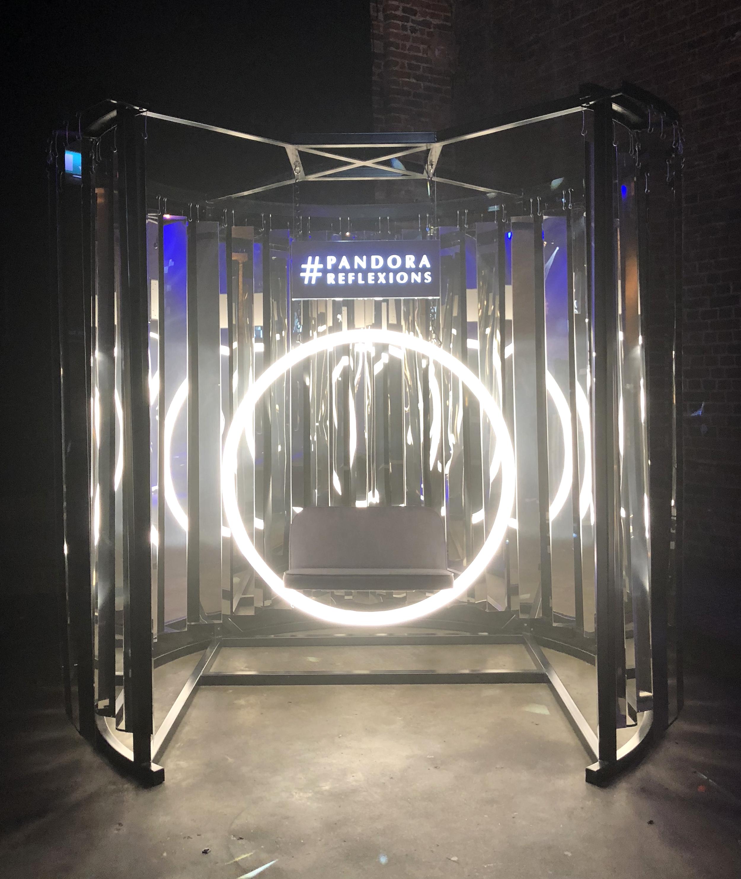 Mirror tunnel installation for Samsung