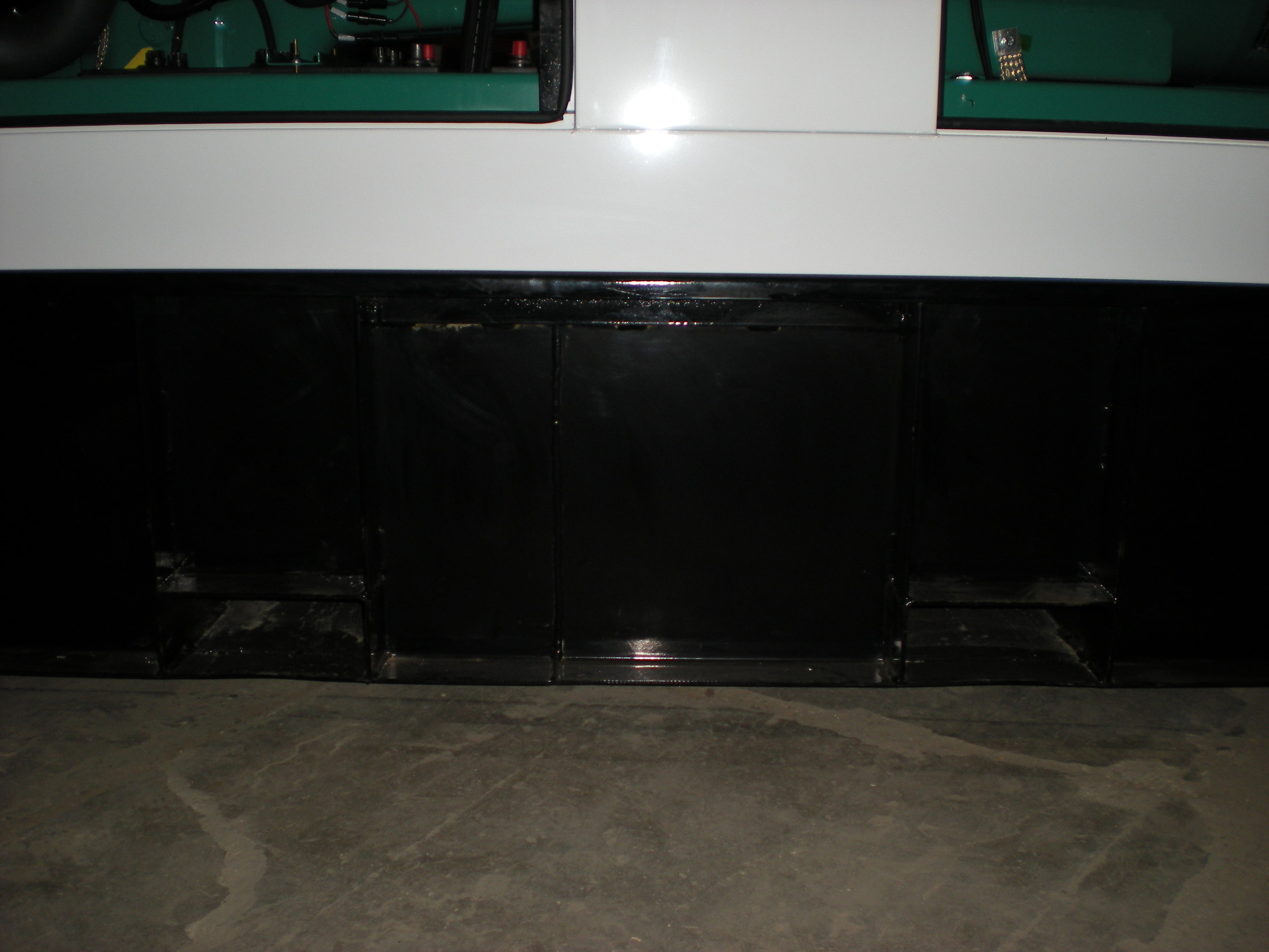 Fork lift pockets - fuel tank.JPG