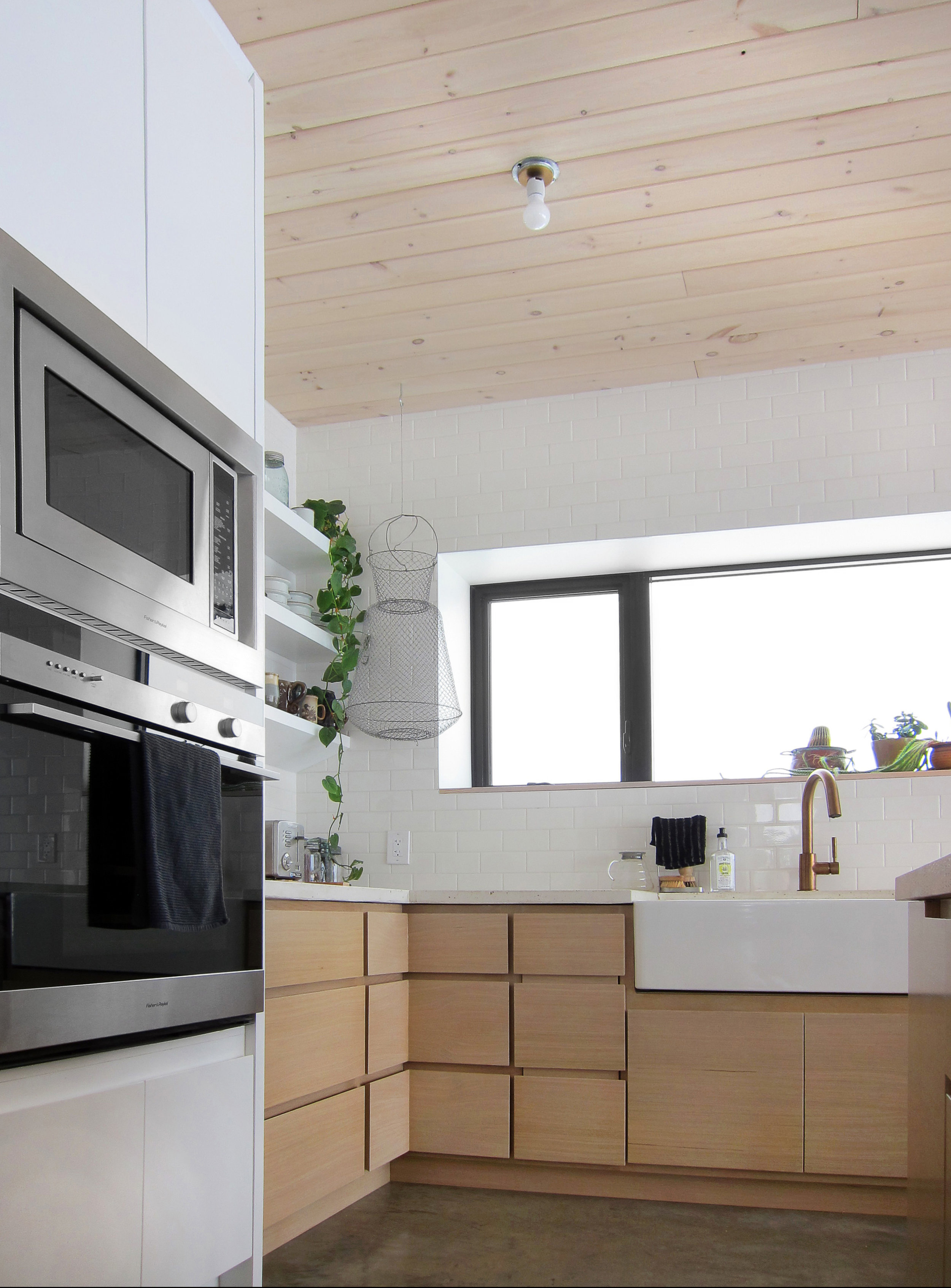 earle kitchen 2(b).jpg