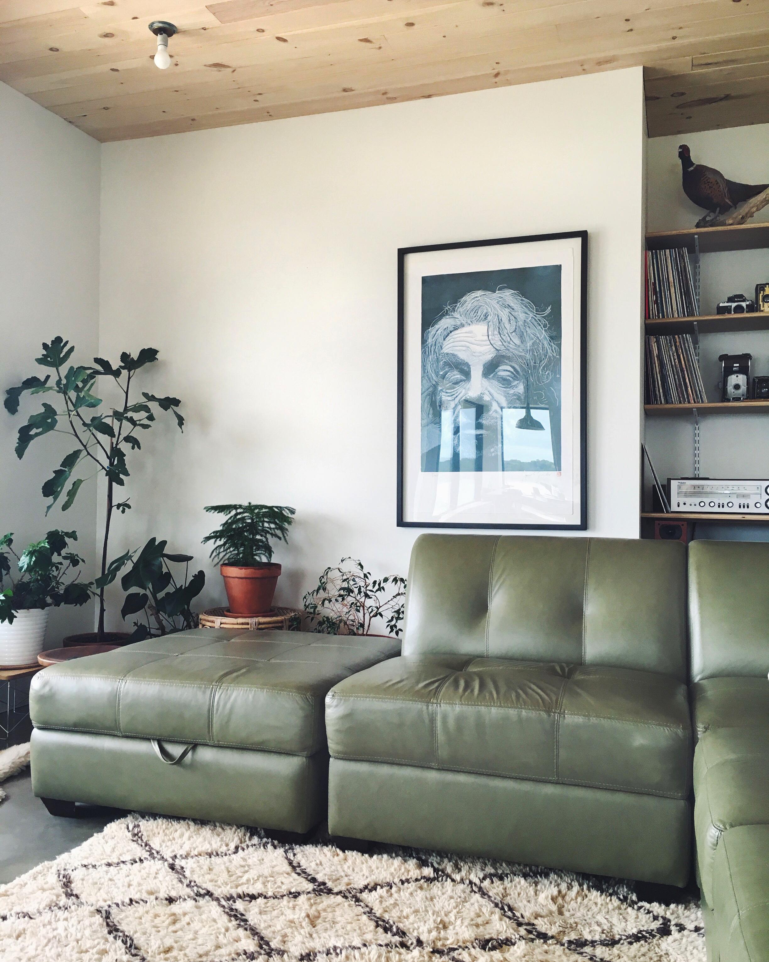 earle sofa(b).jpg