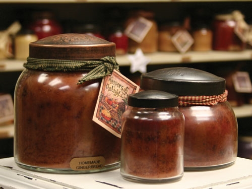homemade-gingerbread-scented-candle.jpg
