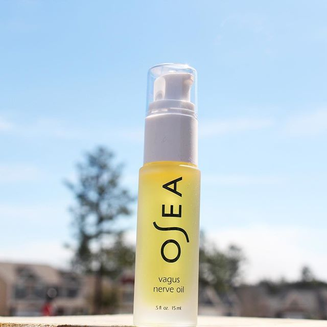 Elevating my #mondaymood with this amazing oil blend by @oseamalibu 💜 Time to say ✌🏻 to stressful days! Want to try? Massage on neck and behind ears to work that cranial nerve and attempt to calm the vagus nerve response. 2019 is all about wellness, so I'm excited to have this ⭐️new⭐️ product to take along on my journey! #oseamalibu Ps- I'll be sharing a few more of my fav products very soon . .  #bitofdelish #skincare #wellness #wellnessjourney #mondaymotivation #happiness #stressrelief #prettythings #mondayvibes #positivevibes #wellnessroutine #lifestyleblogger #blogger #blueskies #influencer #healthylifestyle #healthyliving