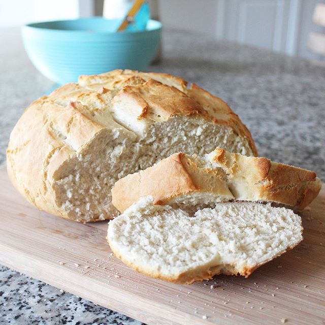 I'm pretty sure my child and I could live off this #homemade bread... plus an occasional scoop of crunchy peanut butter, of course! 🤣  #bitofdelish #nomnom #beautifulcuisines #foodblogeats #eatingfortheinsta #peanutbutterlover #yahoofood #tastingtable #heresmyfood #buzzfeedtasty #cleaneating #foodphotography #foodstyling #eatrealfood #blogger #foodie #healthylifestyle #wellness #wellnessjourney #eeeeeats