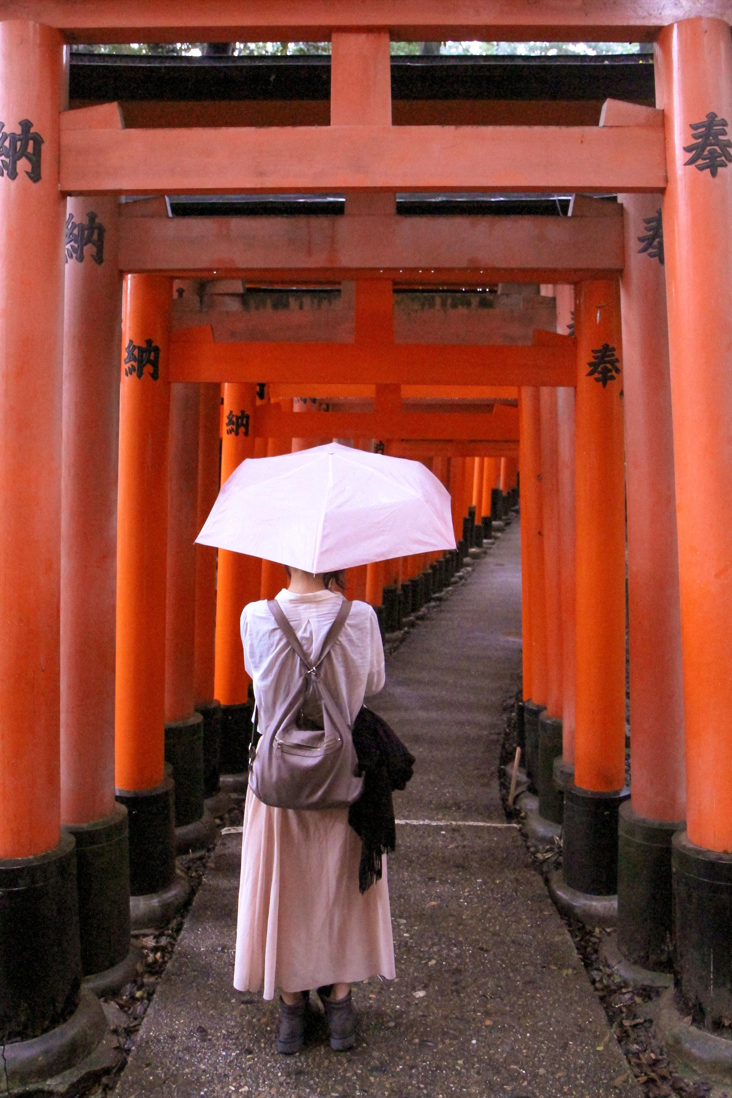 Tori-Gates-Umbrella.jpg
