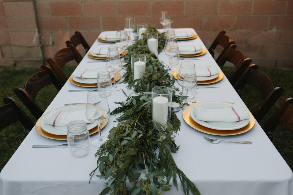 Thanksgiving Tablescape – Garland Table Runner Eucalyptus DIY