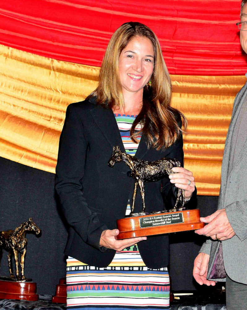 Catherine Hartley receives the award for Highveld Champion Breeders on behalf of Summerhill Stud / JC Photos (p)
