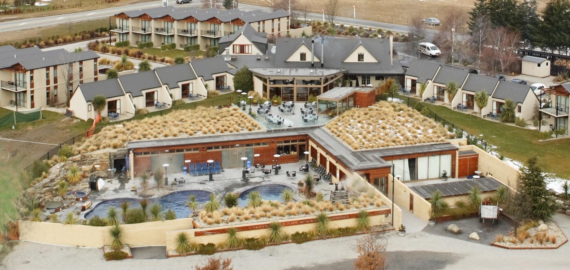 35 Oakridge Resort Wanaka photograph courtesy of Oakridge Resort and hyperlink www.oakridge.co.nz.jpg