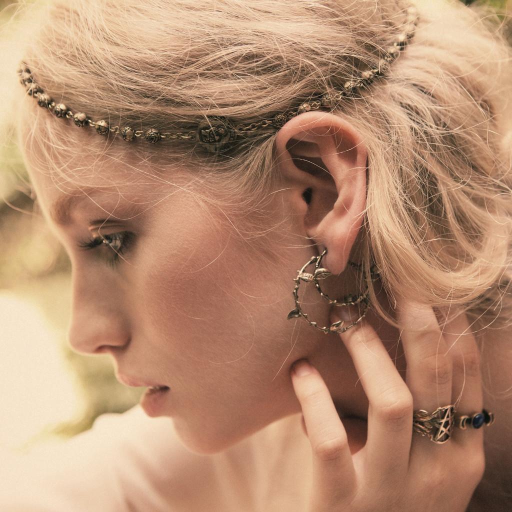 pamela-love-gold-large-thorn-hoop-earrings-product-1-24740288-1-113355219-normal.jpeg