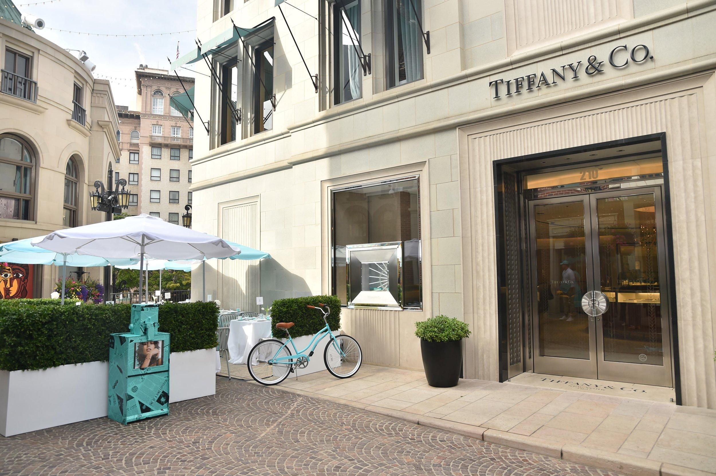 TIFFAN Y BLUE BOX CAFE - BEVERLY HILLS