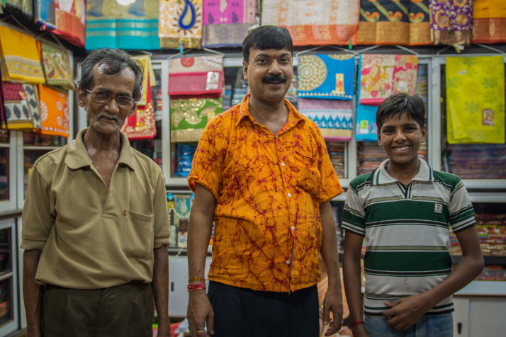 Keepin' it in the family: Passing down the businesstraditionthree generations(Calcutta)