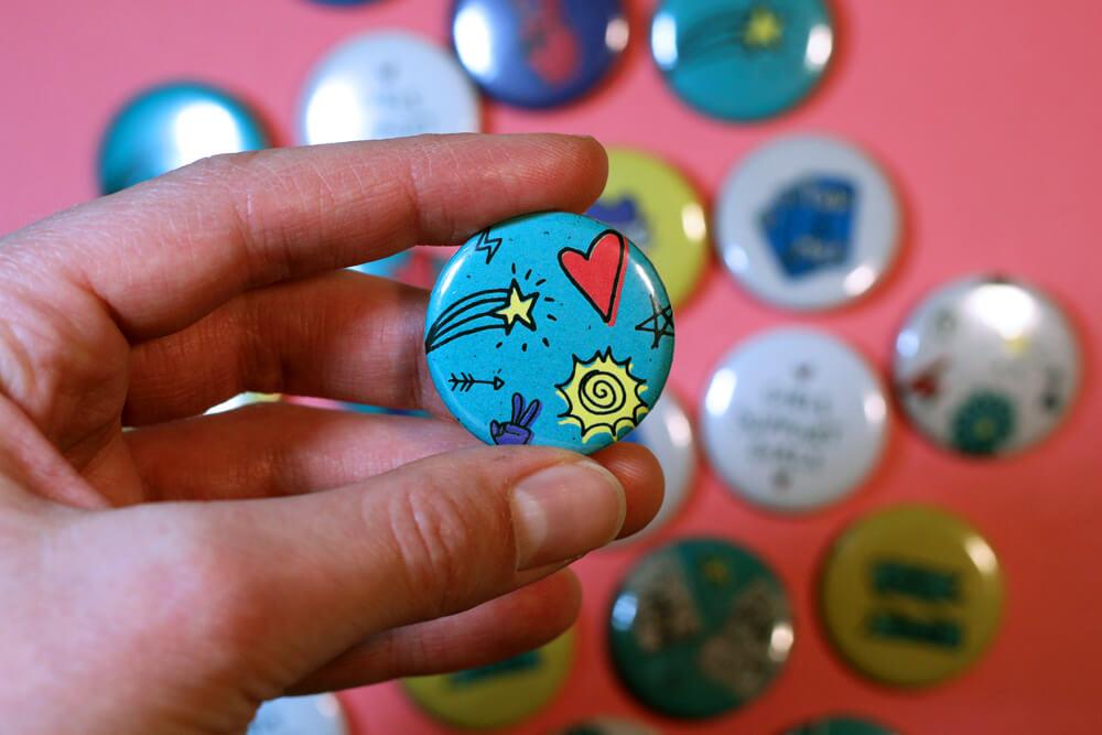 Button-04.jpg
