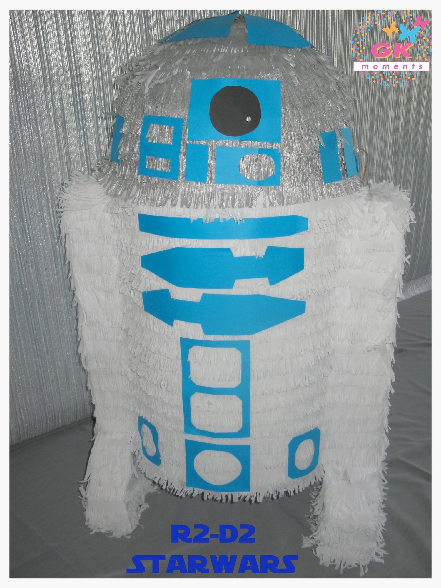R2D2 Pinata