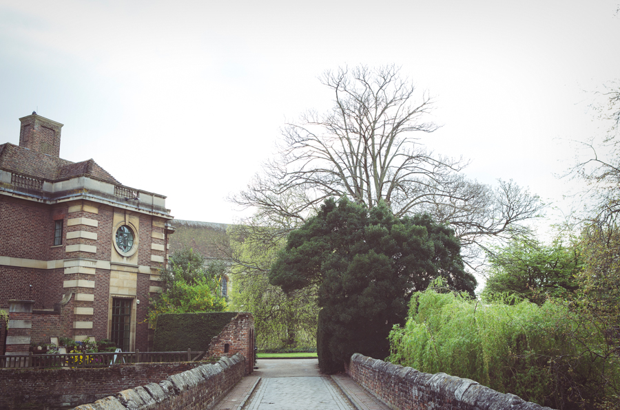 weddings at Eltham Palace photographed by My Beautiful Bride