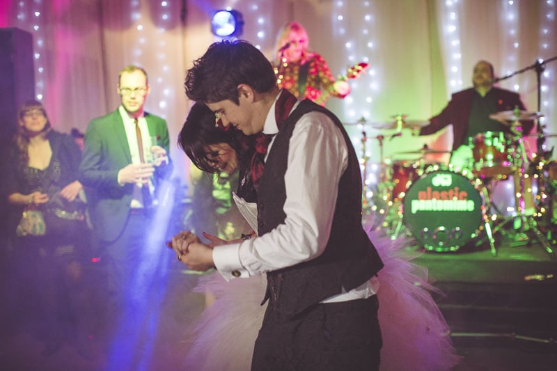 wedding band play the first dance