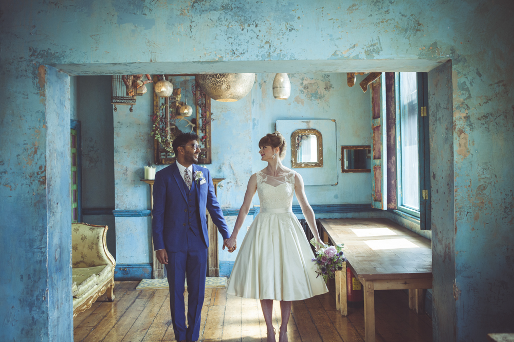 Bride and groom in the turquoise room
