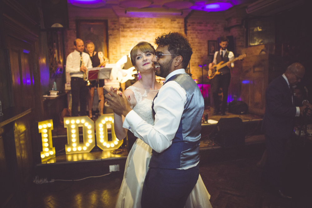 Nicole and Roshan's first dance