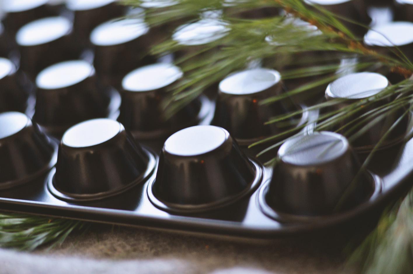 Beim Event zu Mumm's Finest waren unsere Mini-Muffins der Hit. Du kannst sie mit der antihaftbeschichteten Form schon bald selbst nachbacken. In der 24er-Form verkürzt sich die Backzeit auf circa zehn Minuten. Das beste Rezept dazu, gibt's hier.