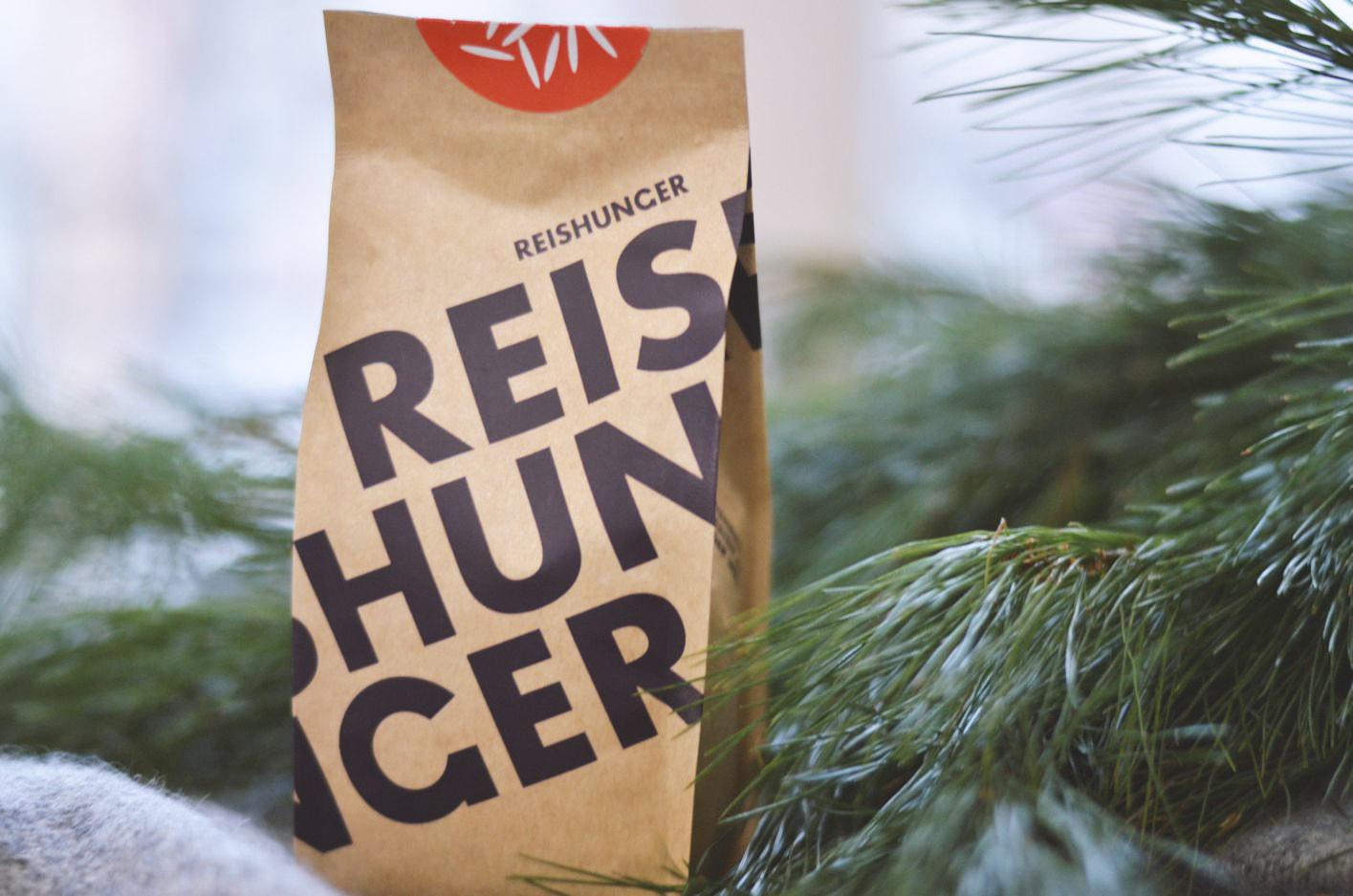 Wer  Reishunger  hat, wird beim gleichnamigen Bremer Start-up garantiert fündig. Aus dem Grund wandert auch eine Tüte Risottoreis ins X-Mas-Paket. Das Bio-Korn nennt sich in dem Fall Carnaroli und kommt naturalmente direkt aus dem Piemont/Italien.