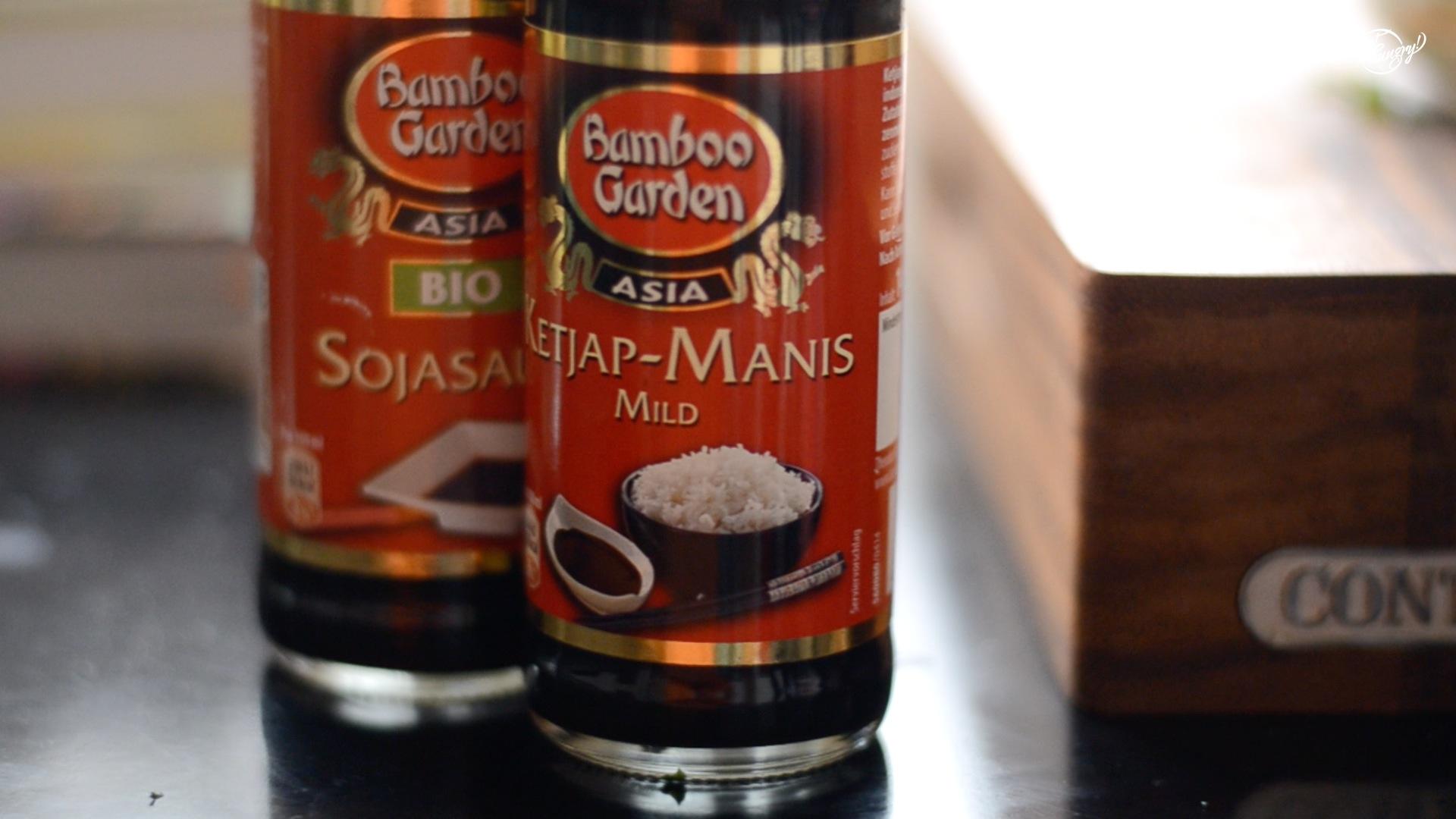 und mit asiatischen Soßen abschmecken