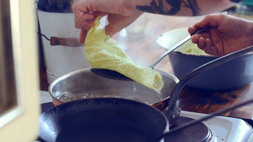 in kochendem Wasser blanchieren,