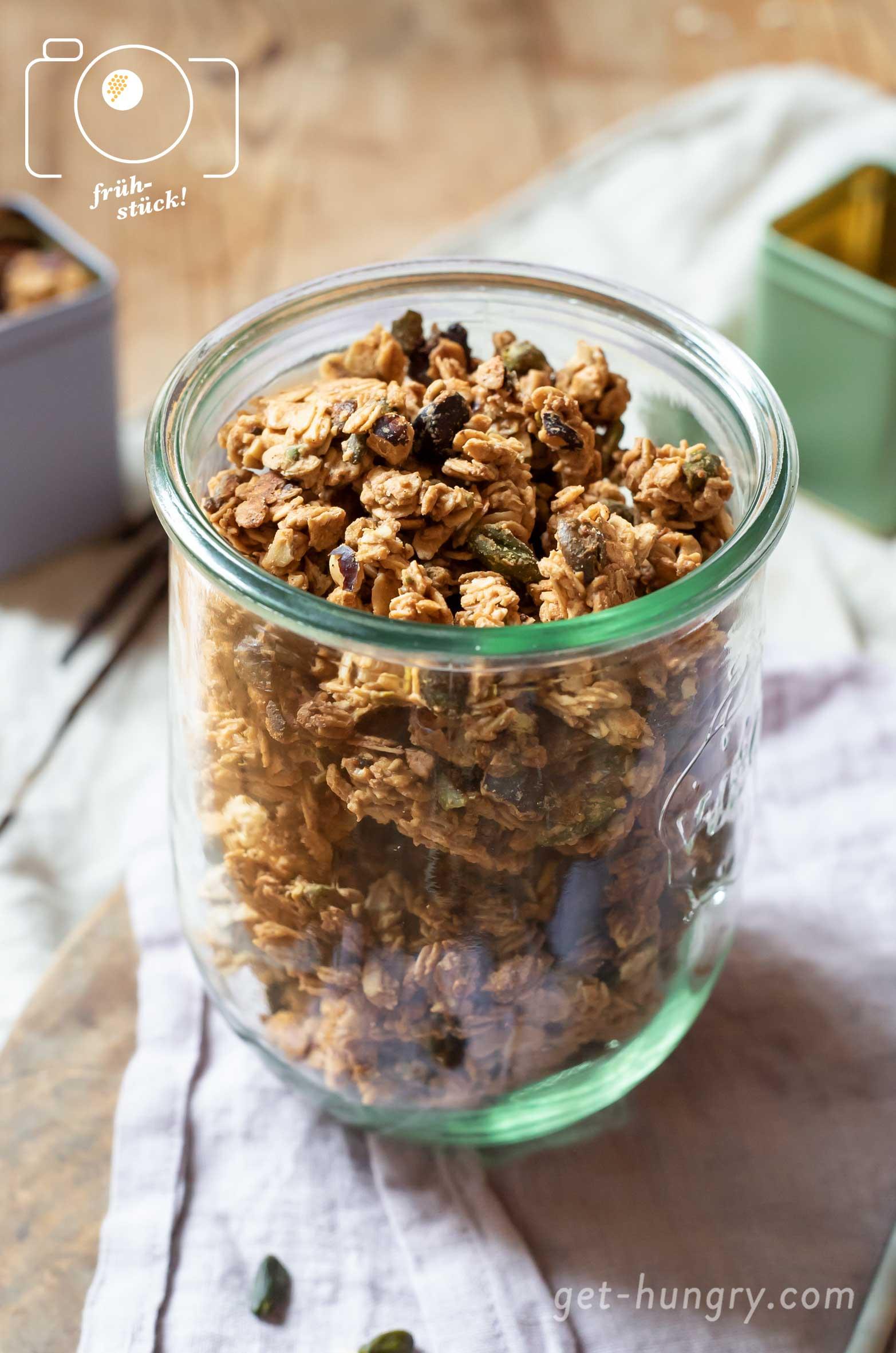 Homemade Granola - Selbstgemachtes Knusper-Müsli mit Haferflocken