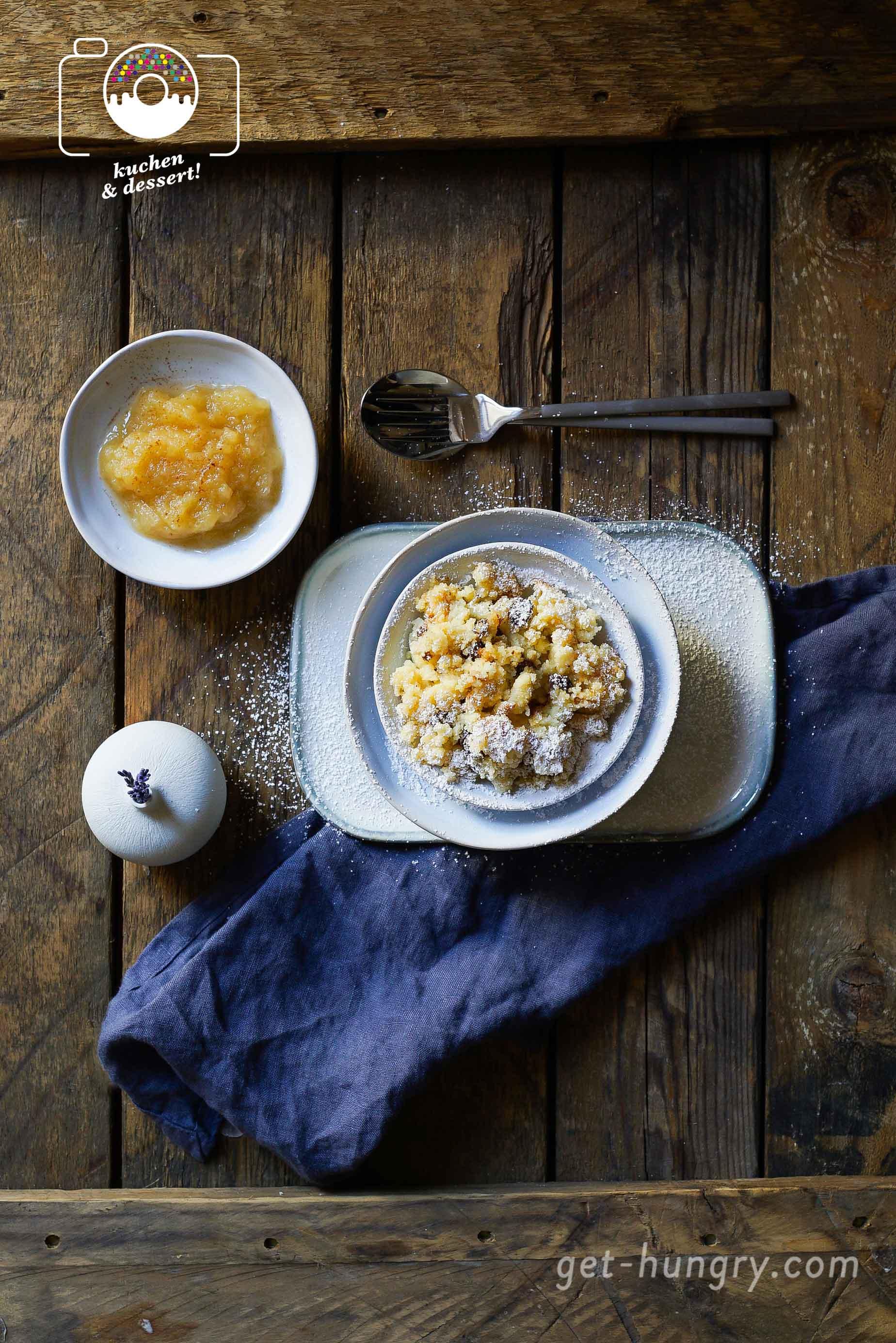 Flaumiger Grießschmarrn mit Apfelmus - Traditionell österreichisch