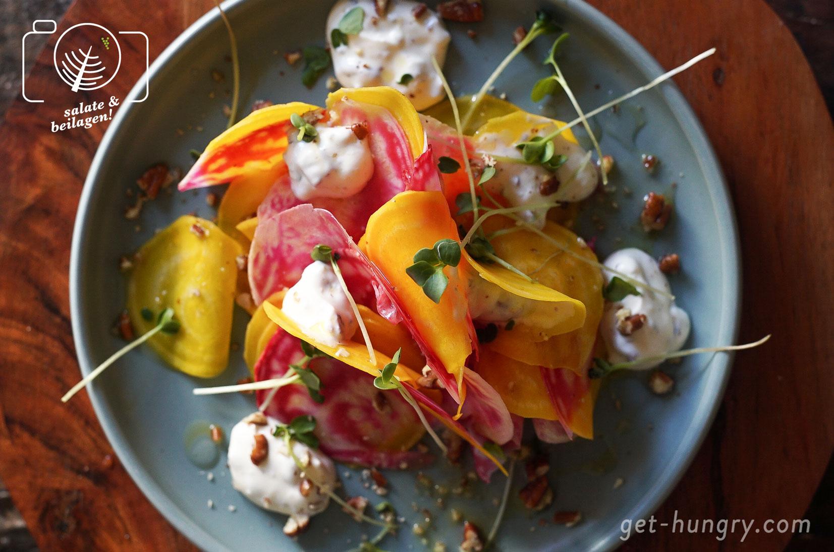 Bunter Roher Bete-Salat mit süßer Ziegenkäse-Pekanuss-Creme