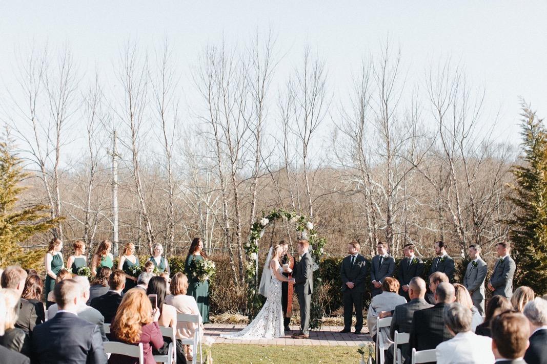27_18_03_31_dana_pat0288_barn,_rustic,_spring,_wedding,_nature,.jpg