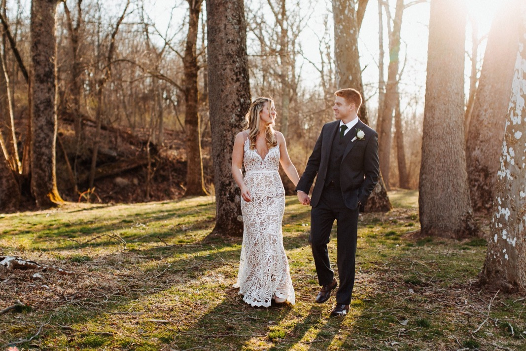 36_18_03_31_dana_pat0411_barn,_rustic,_spring,_wedding,_nature,.jpg