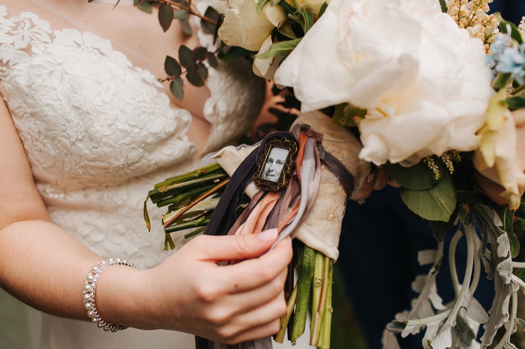 39_bucks_county_HollyHedge_wedding_photography_spring.jpg