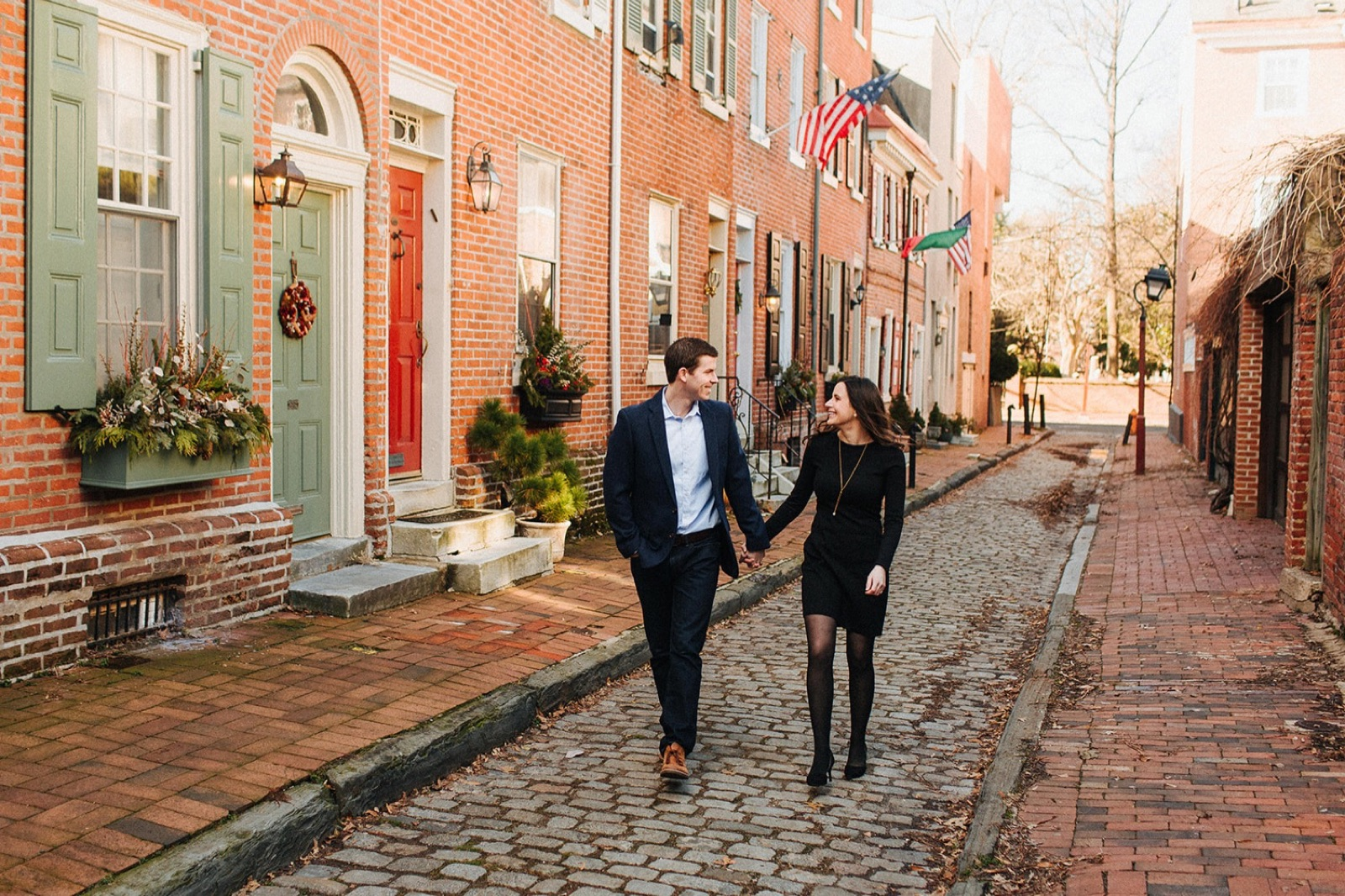 01_Headhouse_photography_engagement_philadelphia.jpg