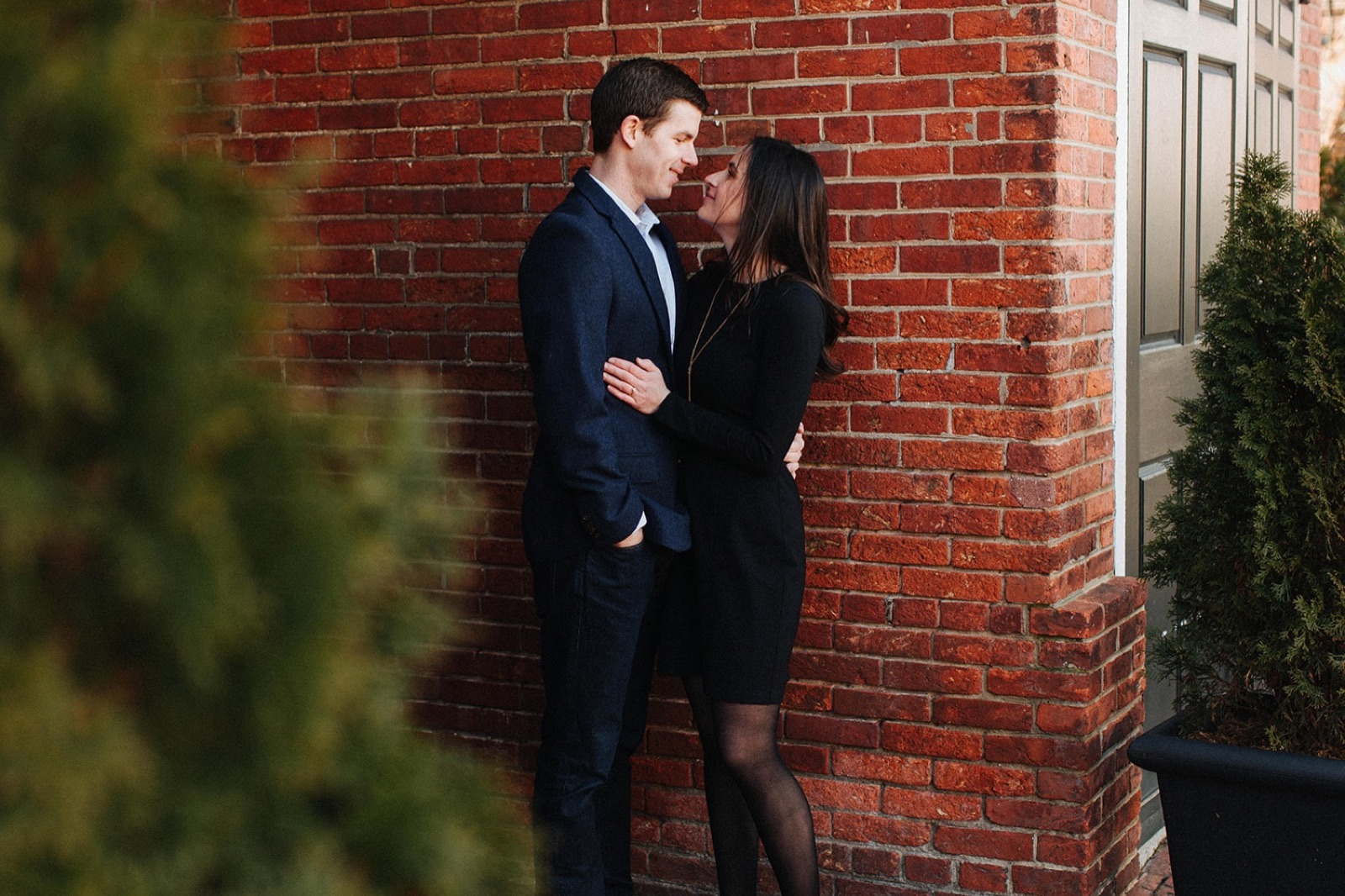10_Headhouse_photography_engagement_philadelphia.jpg