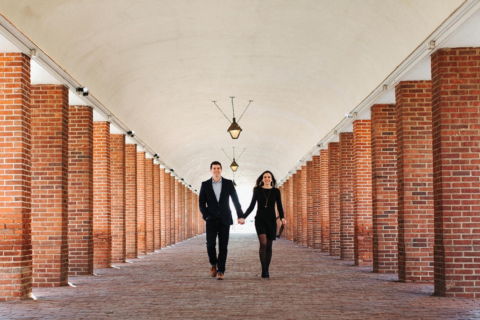 13_Headhouse_photography_engagement_philadelphia.jpg