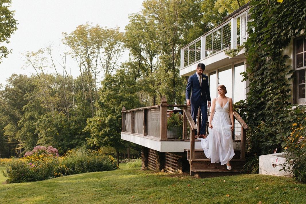 08_county_backyard_country_wedding_bucks.jpg