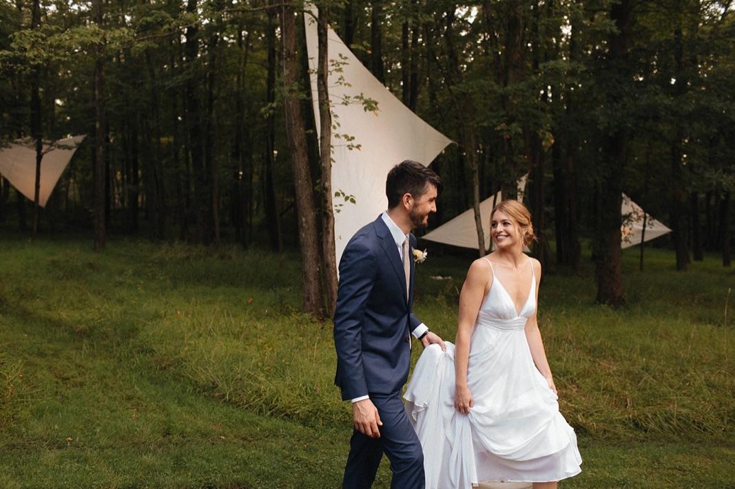 12_county_backyard_country_wedding_bucks.jpg