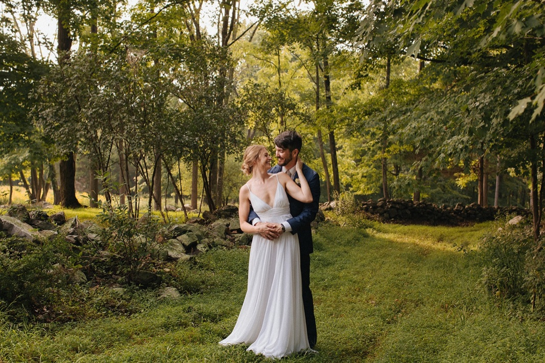 20_county_backyard_country_wedding_bucks.jpg