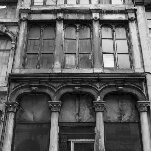 14_old Montreal building.jpg