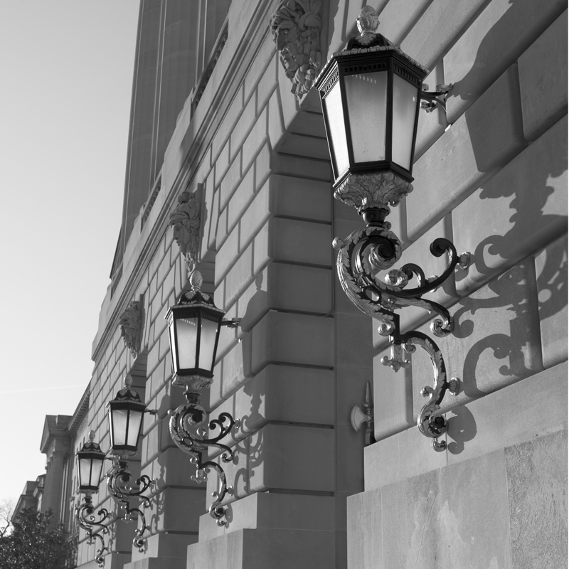 Constitution Ave Lamps.jpg